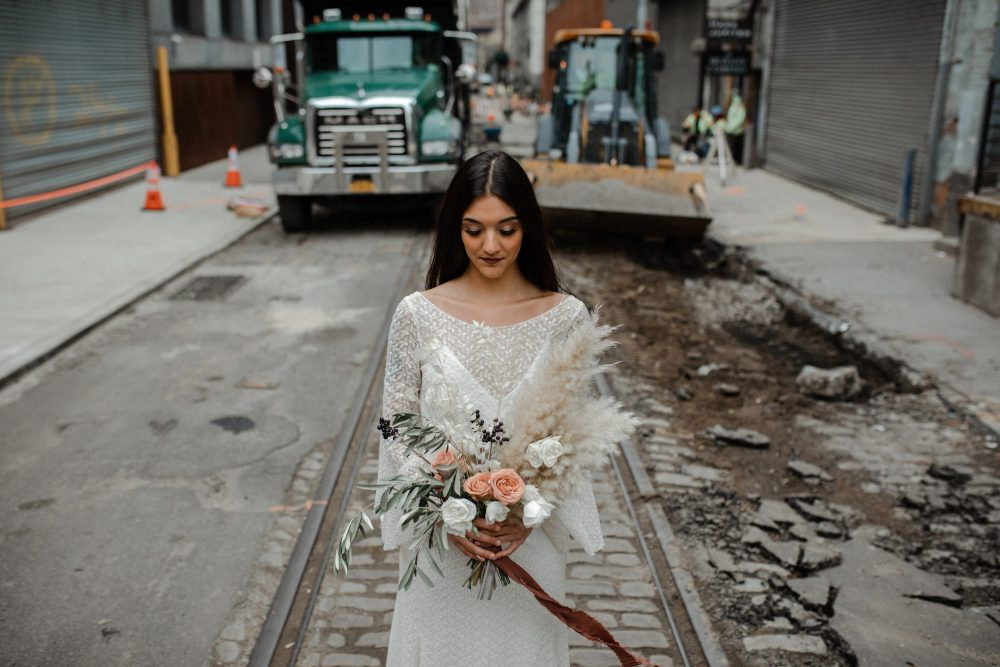 New York creative wedding shoot in Brooklyn DUMBO with Otaduy