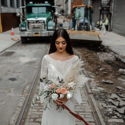 New York creative wedding shoot in Brooklyn DUMBO with Otaduy